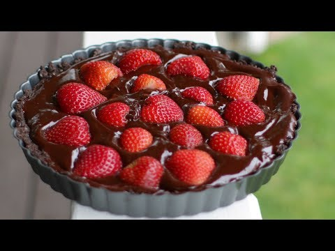 Easy Gluten and Dairy Free Chocolate Strawberry Tart Recipe (no bake)