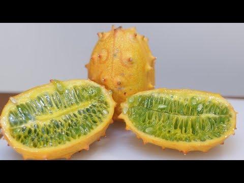 How to Eat a Kiwano Melon   Horned Melon Taste Test