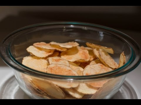 How to Make Crispy Crunchy Potato Chips in the Microwave